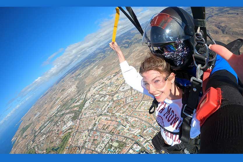 wie-man-einen-Fallschirm springt