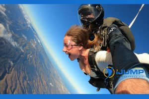 What is a tandem jump / tandem skydiving?