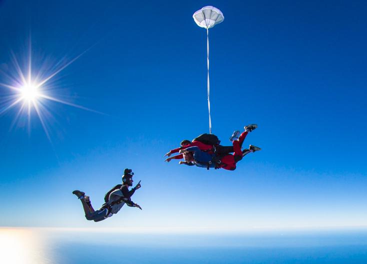 regala-salto-en-paracaidas