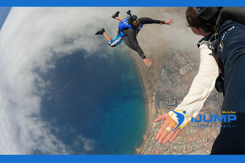 Recomendaciones para tu primer salto en paracaídas